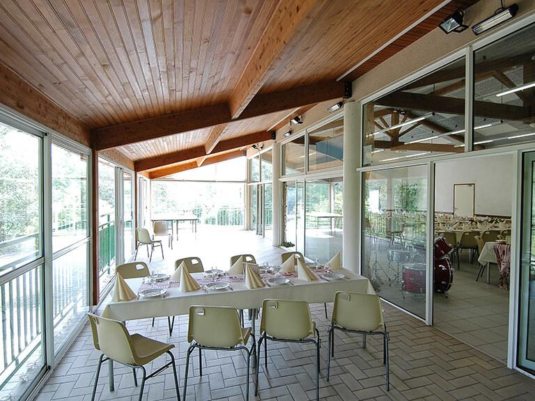 Salles de réception Gardes-le-Pontaroux : grande salle, extérieur