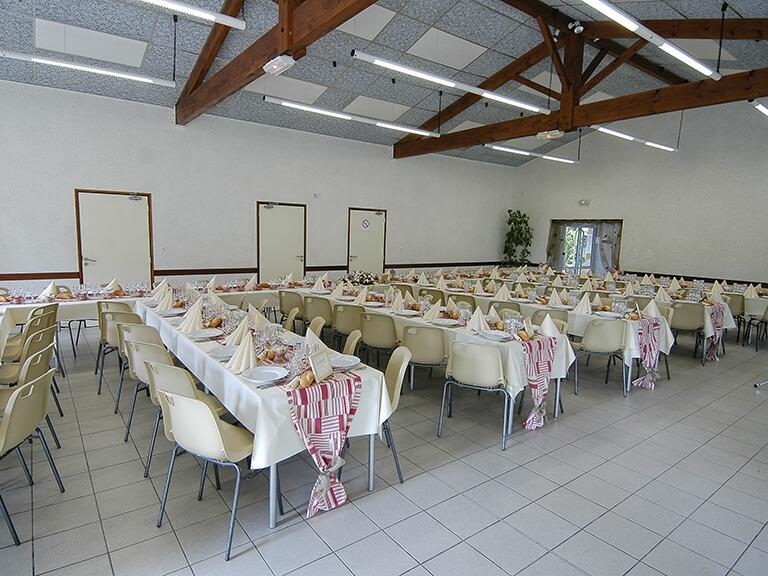 Salles de réception Gardes-le-Pontaroux : grande salle