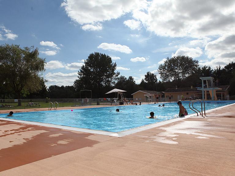 piscine de Gardes-le-Pontaroux
