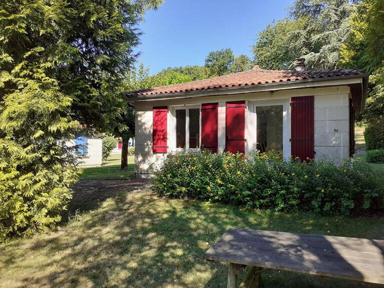 village-vacances-gardes-le-pontaroux-vue-villas-2