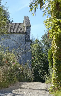 Gardes-le-Pontaroux église romane